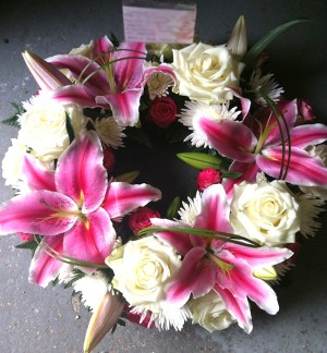"""10"""" Stunning Pink Lily & Rose Wreath"""
